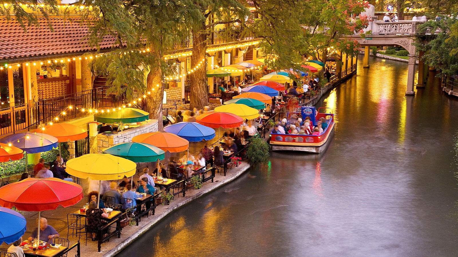 San Antonio River Walk Hotel
