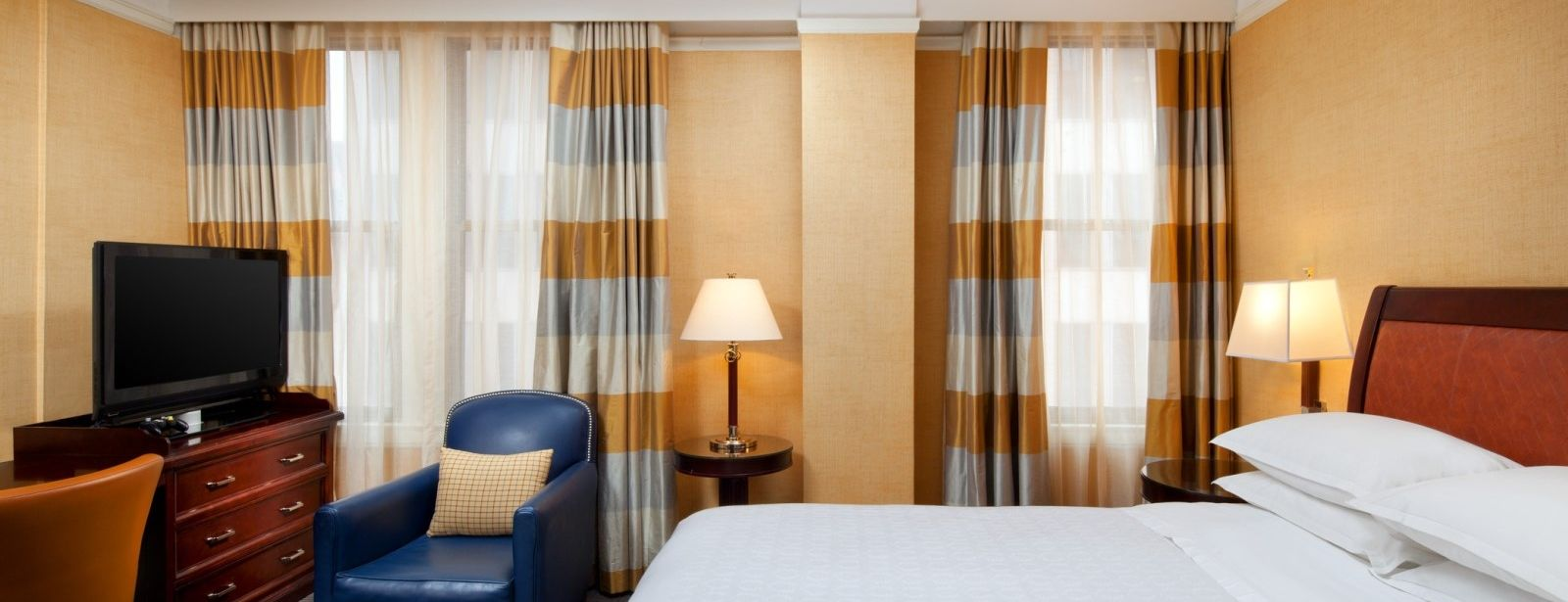 Standard Guest Rooms at the Sheraton Gunter Hotel